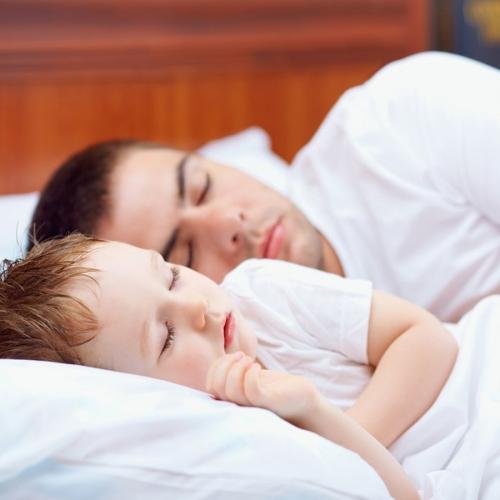 Как уложить ребёнка спать днём без материнской груди?